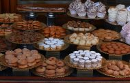 Sweets become popular as souvenirs for Japan among international visitors
