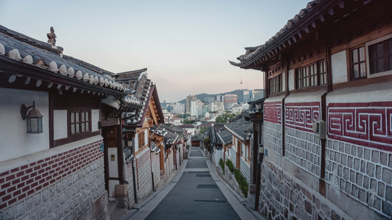 Year-on-year comparison of Japanese travelers to South Korea, Taiwan and Hong Kong in 2018