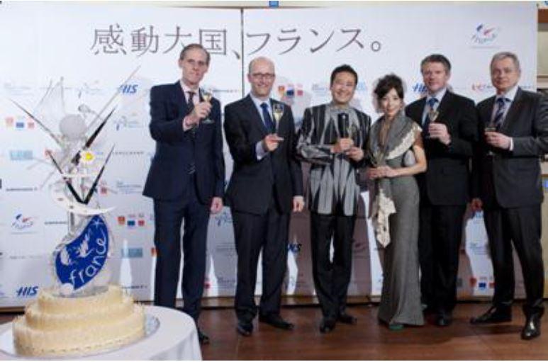フランス、2013年の観光親善大使は川島なお美さん・鎧塚俊彦さん夫婦に