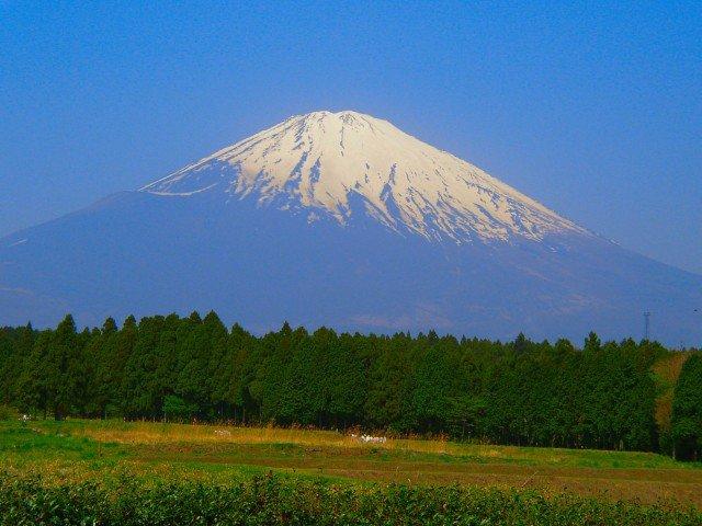 まもなく始まる富士登山シーズン、山梨県と静岡県が十分な準備を呼びかけ 【動画】