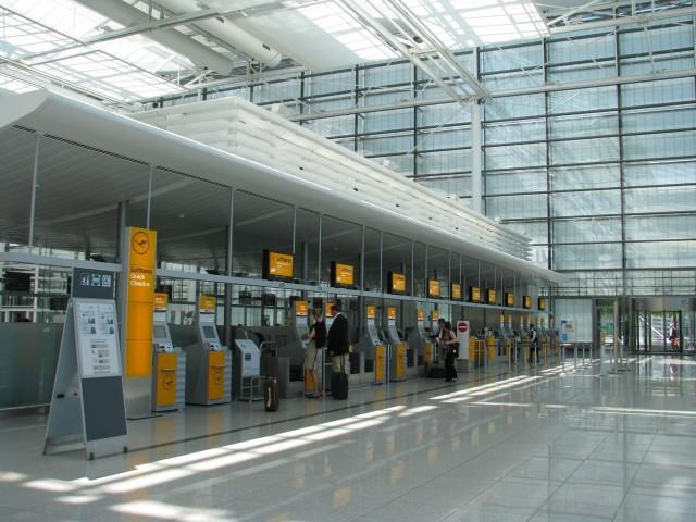 ルフトハンザ航空、機内販売で事前オンライン予約を開始 最終判断は搭乗後でOK
