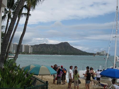 日本人旅行者がハワイで消費した金額は1日あたり267.9米ドル、渡航者数とともに増加 ー2014年7月