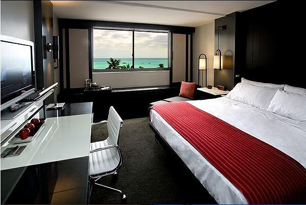 アストン、初のデザイナーブティックホテルをオープン