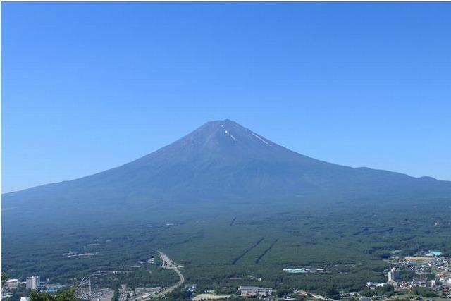 富士急行、富士山地域への交通アクセスを強化、増便や延伸で