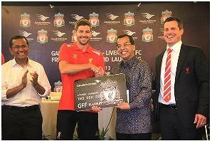 ガルーダ・インドネシア航空、リバプールFCの特典付FFPカードを発行