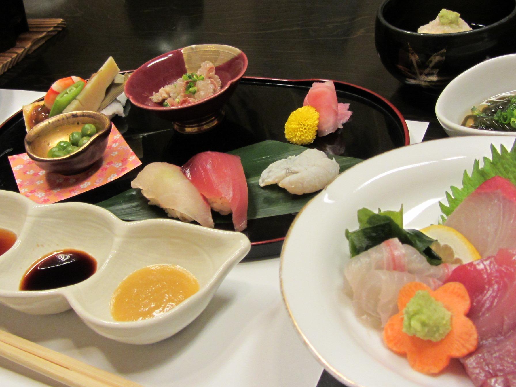 新興6市場の外国人が好きな日本食、1位「寿司・刺身」、ドバイではカレーが人気