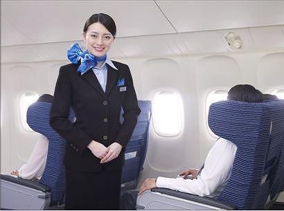 ANA、客室乗務員を長期社員採用に変更、2014年度入社から