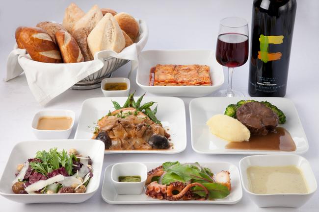 デルタ航空、日米路線のビジネスエリートで機内食を一新