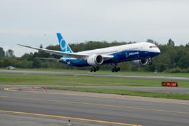 ボーイング787-9が初飛行に成功、初号機引き渡しは2014年半ばに