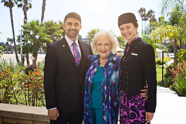 ニュージーランド航空、新機内安全ビデオはベティ・ホワイトが「昔ながらの」説明