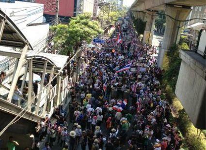 タイから観光庁総裁が来日、デモは「旅行者に影響ない」 -1月の経済損失は約520億円