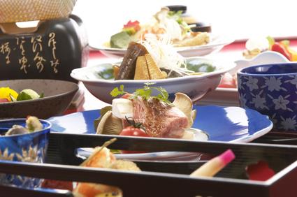 旅行先を選ぶ重要な決定要因、「食」が36%でトップ ― ヒルトン調査