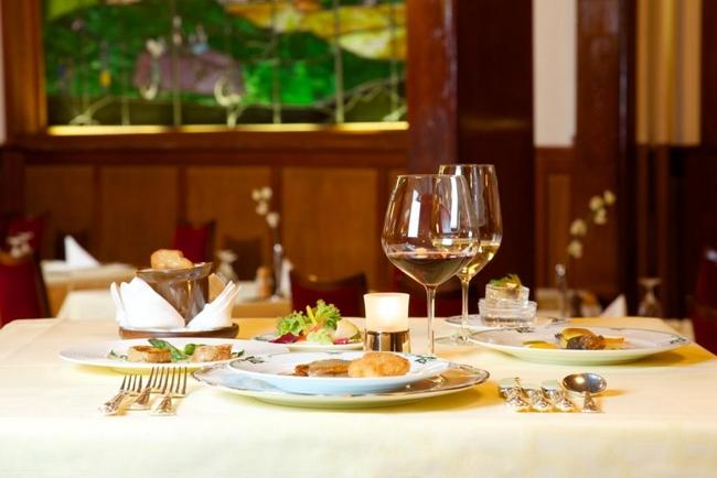 軽井沢の万平ホテル 「120周年記念特別ディナーコース」を提供、宿泊プランも