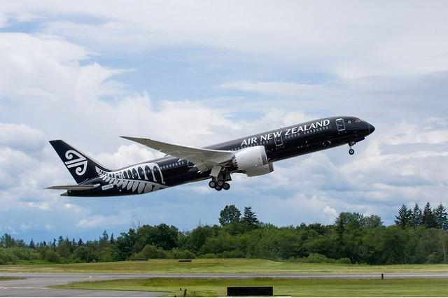 ニュージーランド航空、B787初号機で初のテスト飛行