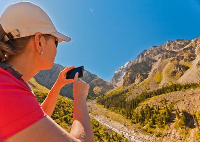旅行体験のSNS発信は4割、タイミングは「体験したその場で」33% -JTB総研