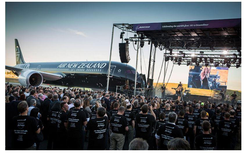 ニュージーランド航空、世界初のボーイング787-9型機をシアトルで受領【動画】