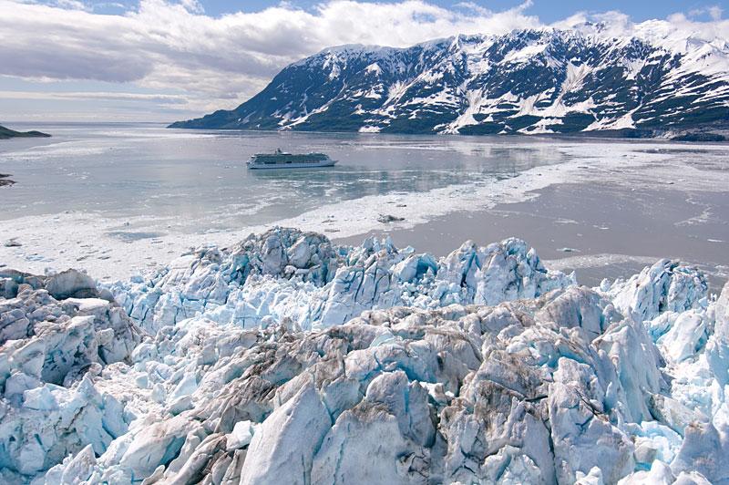 日本では観ることのできない氷河のある風景。アラスカにて。
