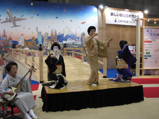 三井不動産がスマホ活用の多言語翻訳を導入、訪日外国人向けに日本橋の文化体験ツアーなども