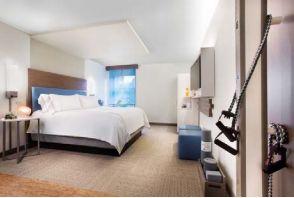 健康志向の高まりで新ブランド「EVEN ホテルズ」が開業、客室内にトレーニング用具を完備で -IHG