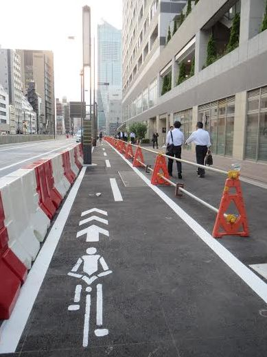 国土交通省の自転車利用環境創出から誕生したマッカーサー道路の自転車道 外国人のレンタサイクル利用率が上がるなかで環境整備に期待が寄せられる