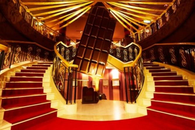 ハウステンボス、チョコレートがテーマの「ショコラ伯爵の館」をオープン、板チョコが入場チケットに