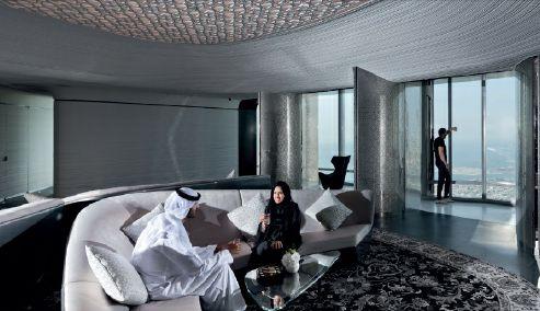 ドバイに世界最高・地上555メートルの展望台「ザ・スカイ」がオープン