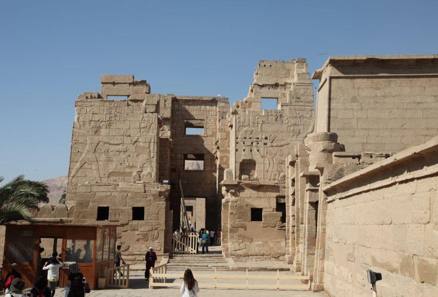 ルクソール西岸ではラムセス3世葬祭殿も見所のひとつ