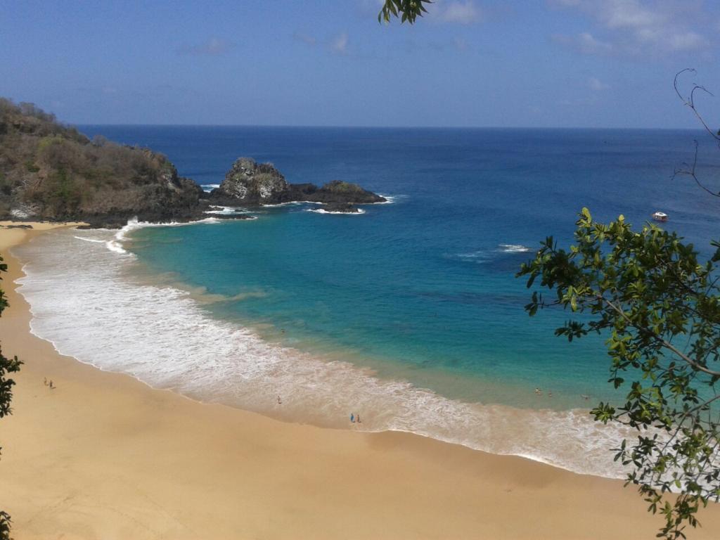 人気のビーチランキング2015、世界トップはブラジル・サンチョ湾、日本は宮古島や与那覇前浜 -トリップアドバイザー