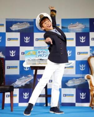 クルーズ客船「ボイジャー・オブ・ザ・シーズ」のPR大使にプロスケーター織田信成さんが就任、船上リンクでスケート教室も
