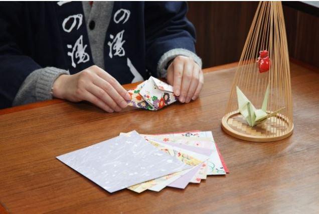 箱根の温泉旅館が外国人向け体験プラン、芸者の芸能体験や折り紙など英語で解説 -一の湯