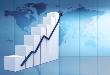 主要13カ国のスマホ利用トレンド比較、利用率トップはオーストラリア74%、日本は64%、成長率トップはインドで39% ―BCG