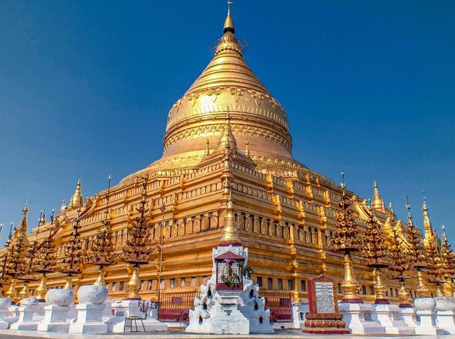 シュエズィーゴン・パゴダ(ミャンマー)