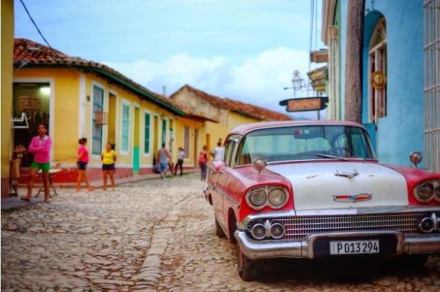 """""""今年訪れるべき国はキューバ""""、旅工房が米国文化が流入する直前の観光提案でオフライン交流会"""
