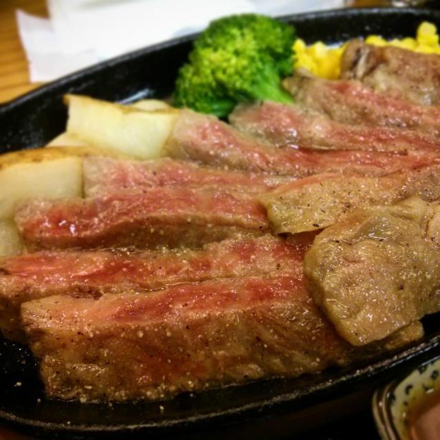 外国人に人気レストラン2015、京都ステーキ店が圏外から1位に躍進、順位変動が目立つ結果に -トリップアドバイザー