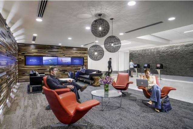 デルタ航空、ロサンゼルス国際空港に初の専用チェックインロビーをオープン、第5ターミナル改装で