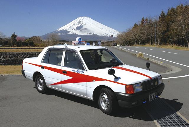 富士急伊豆タクシーが全車両「LINE TAXI」対応へ、キャッシュレスも可能に
