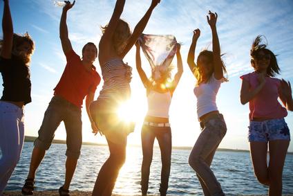 卒業旅行の経験、10代・20代は5割以上が「行ったことがある」、旅行先トップは「沖縄」 ―CCC調べ