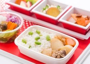 JAL国際線機内食の秋メニュー決定、人気のフードスタイリスト飯島奈美さんの「肉じゃが」など