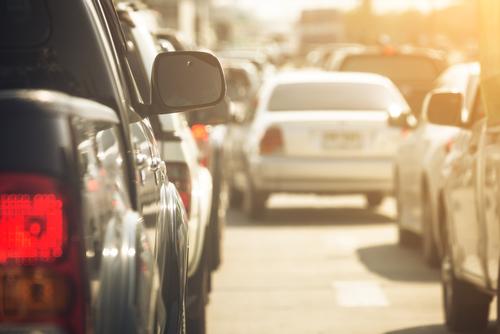 お盆期間の高速道路2015、10km以上の渋滞発生は6回増の443回 ー国交省