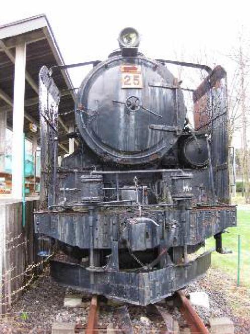 蒸気機関車にペンキを塗る体験ツアー、旧夕張鉄道の長期保存車両を活用で
