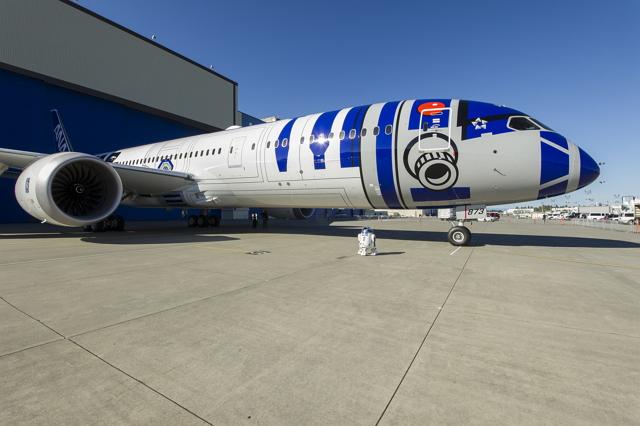 ANAスター・ウォーズ「R2-D2」特別機の塗装完了、11月にはチャーター便でシンガポールツアーも【画像】