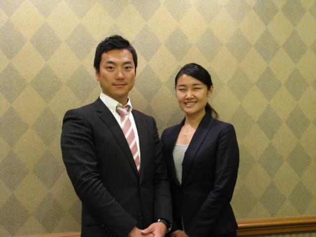 左:Ctrip Japanホテル事業部統括の林一周氏/右:同マーケットマネージャーの張ウェンウェン氏