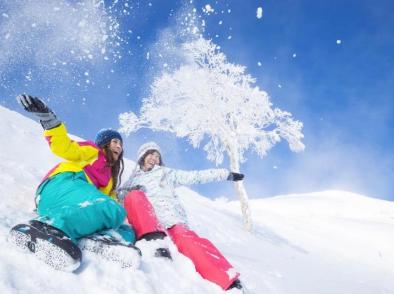 星野リゾートがLCCとタッグ、関西発の北海道トマム日帰りスキーを提案、レンタル・リフト・空港送迎など一式4000円で
