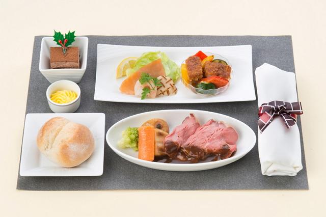JALのクリスマス機内食(国内線ファーストクラス昼食:ローストビーフ)
