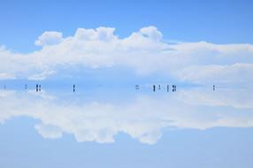 ボリビア・ウユニ塩湖:H.I.S. 報道資料より