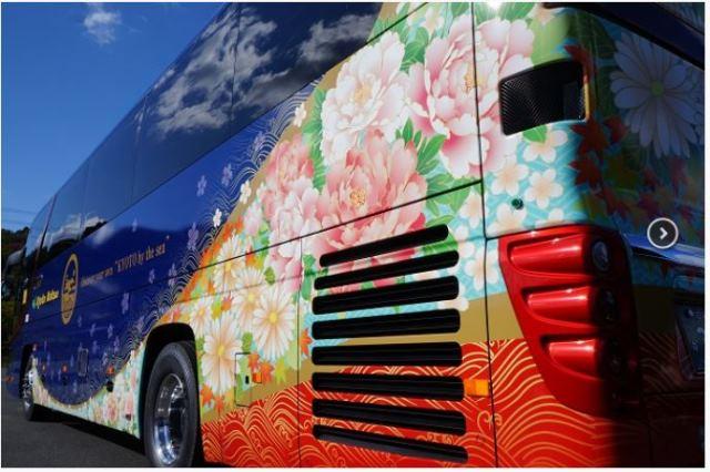東京/京都・舞鶴に丹波漆塗りのデザインバス運行、特産のカニのシーズンにあわせて誘客強化