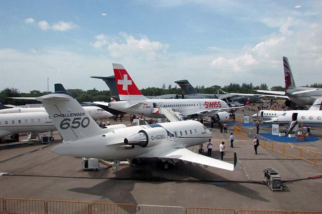 ボンバルディアの展示スペースでは中央にスイスインターナショナルエアラインズ塗装のCS100が置かれていた