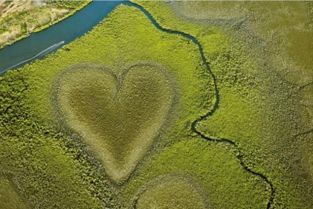 ニューカレドニア、「ハート型の絶景」でSNSキャンペーン、バレンタインデーにあわせて