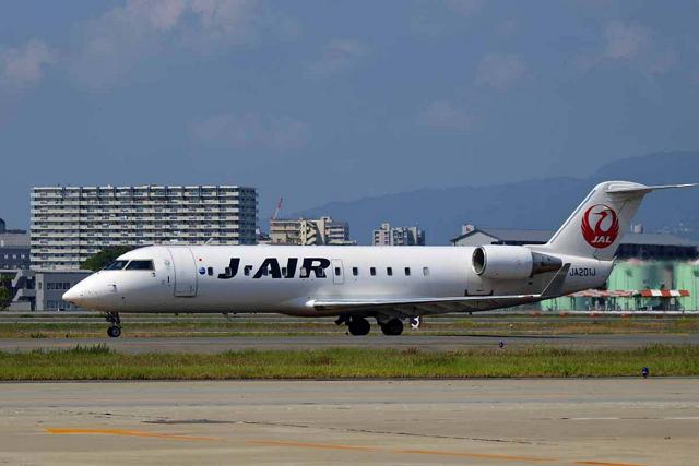 ジェイ・エアは50人乗りのボンバルディアCRJ200も現在9機を保有