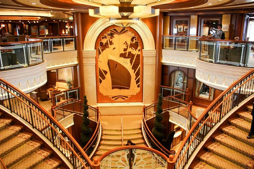 """写真でみる豪華客船クイーン・エリザベス(QE)、3年連続で日本寄港、横浜で""""女王""""の船内を公開"""